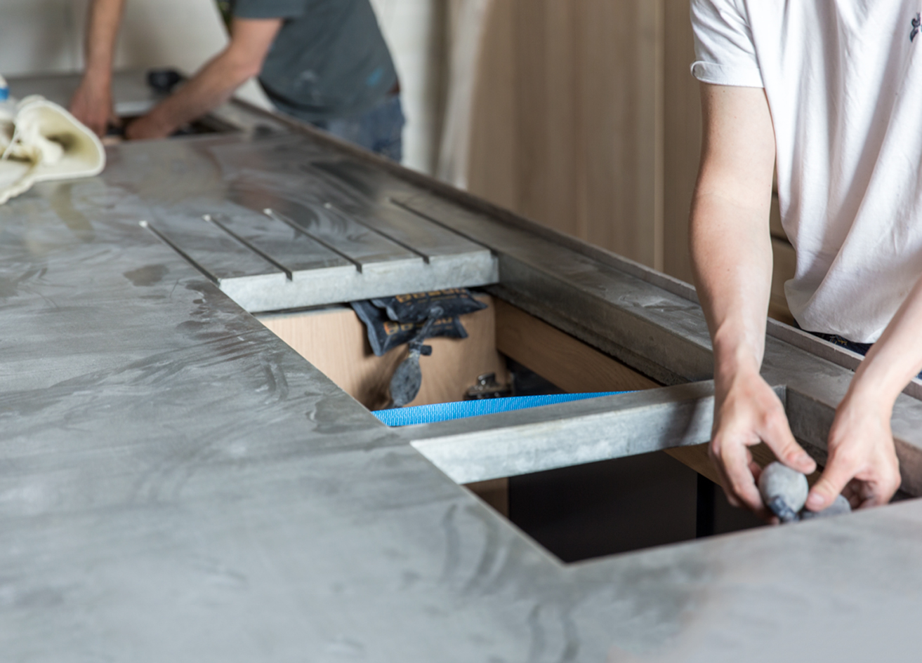 installation of the concrete kitchen counter